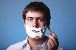 Неаккуратное бритье - причина появления папиллом