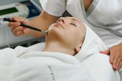 Очищение лица методом дезинкрустации