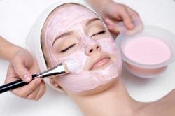Наложение успокоительной маски после чистки