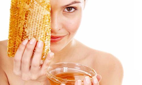 Массаж лица с применением меда