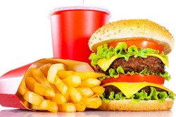 Неправильное питание - причина появления прыщей