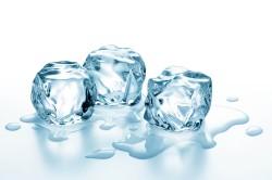 Лед для прикладывания ко лбу после инъекции