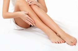 Гладкие и красивые ноги после эпиляции
