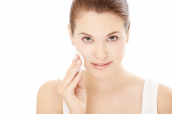 Очищение кожи безспиртовыми средствами