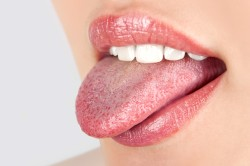 Упражнения с языком для увеличения губ