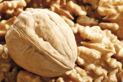 Грецкий орех при росте волос на лице у женщин